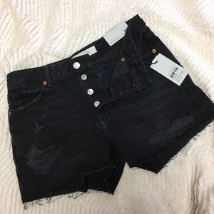 NWT size 4 Topshop Ashley Distressed BF shorts